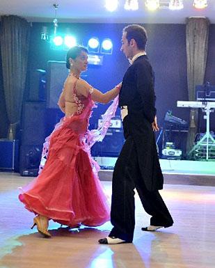 dansatori nuntă, Adrian în imagine
